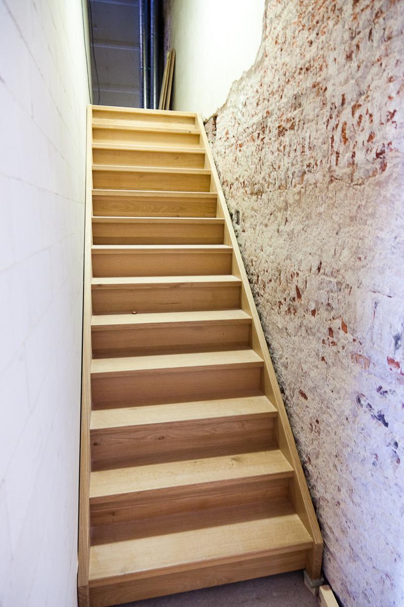 Blog museum van loon juli meer beton electra trappen steigers - Hoe de trap houten renoveren ...