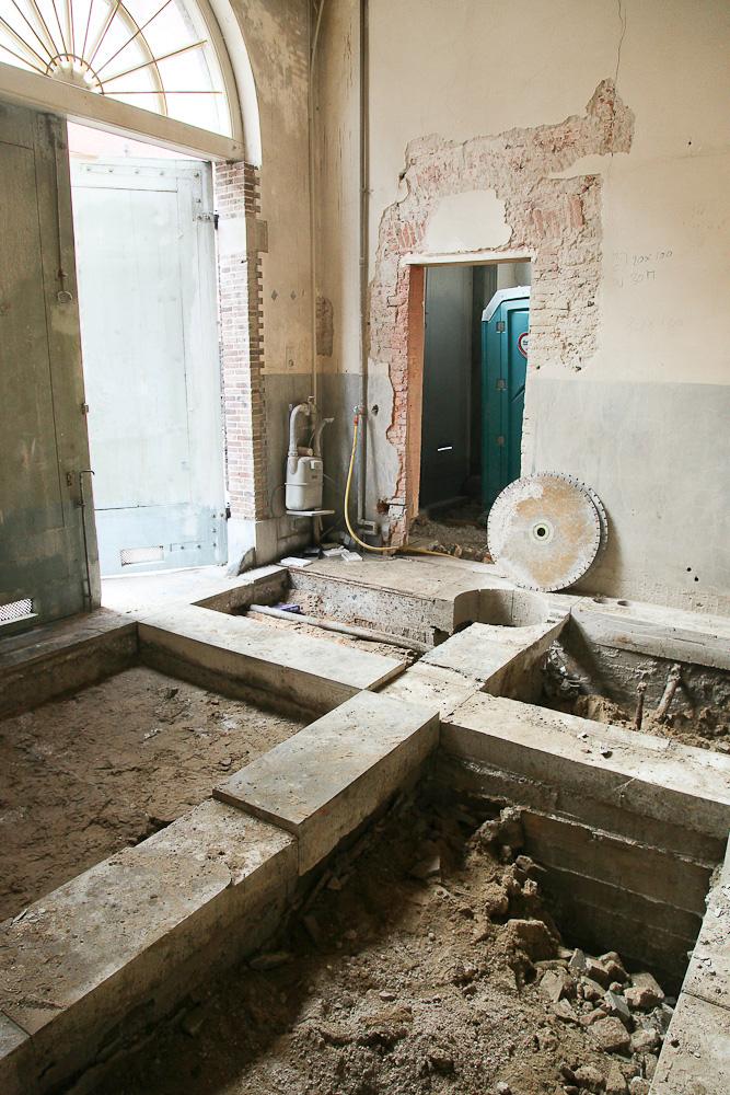 Blog museum van loon voortgang vloer aan de kerkstraatzijde half - Hedendaagse vloer ...